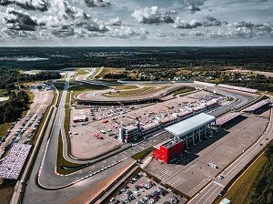 Гоночная трасса Moscow Raceway для тренировок и автогонок